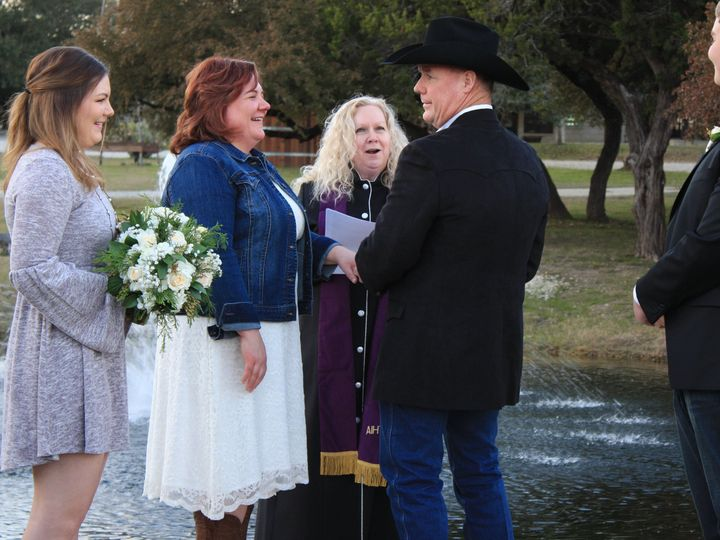 Tmx 1515304547 6cebecdd63f93410 1515304514 68e254cecbd7d3f8 1515304488810 13 IMG 0878 Wimberley, Texas wedding officiant