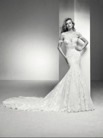 Off shoulder vintage style dress
