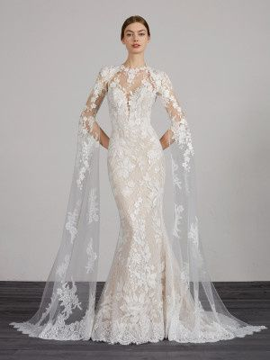 Full lace dress with long sleeves