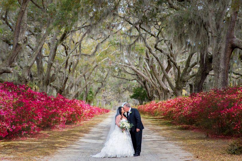 Bride and groom at Bonaventure / Historic Savannah