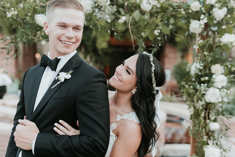 Happy newlyweds | Photographer: Alicia Lucia