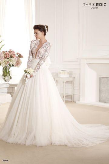 Lace long sleeves wedding dress
