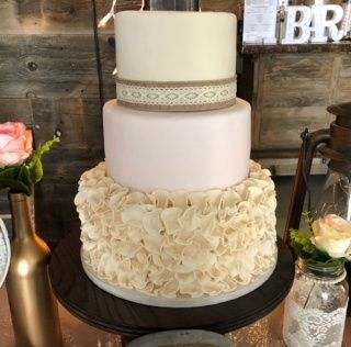 cake picture at barn 51 1004164 v1