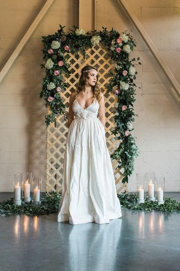 rich hued portland wedding inspiration 01 600x899