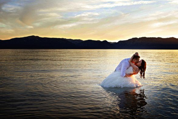 Couple kissing in the waters