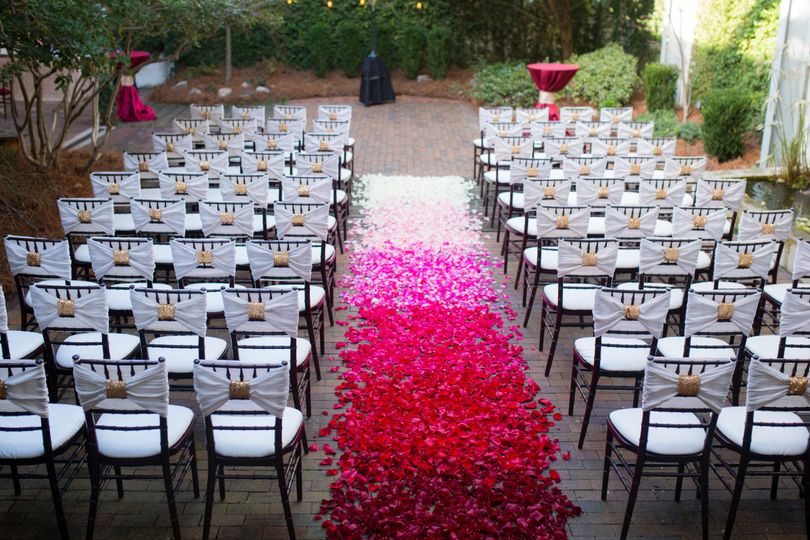 ombre aisle petals