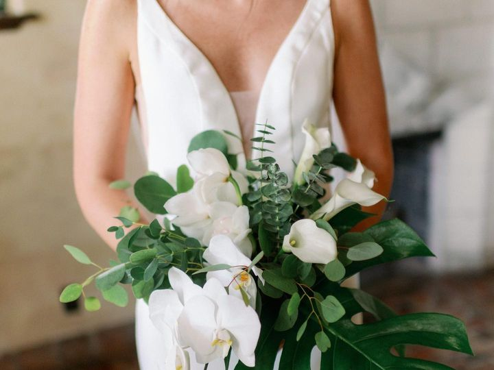 Tmx 119943446 3513559182030136 8523295268866768230 O 51 26264 160347564286024 Sarasota, FL wedding florist