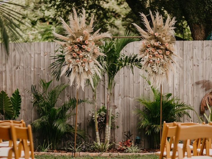 Tmx 120925046 3567637189955668 7624051526639937220 O 51 26264 160347564330117 Sarasota, FL wedding florist