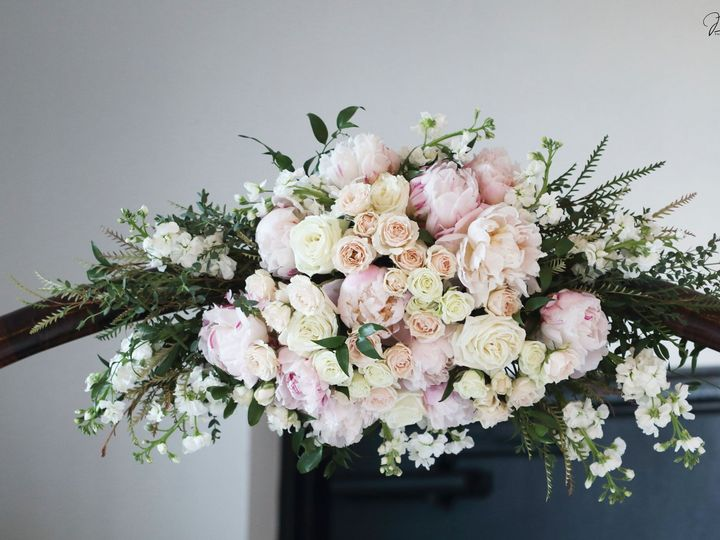 Tmx 75369318 10156516399265671 1863496660882030592 O 51 26264 160347564048768 Sarasota, FL wedding florist