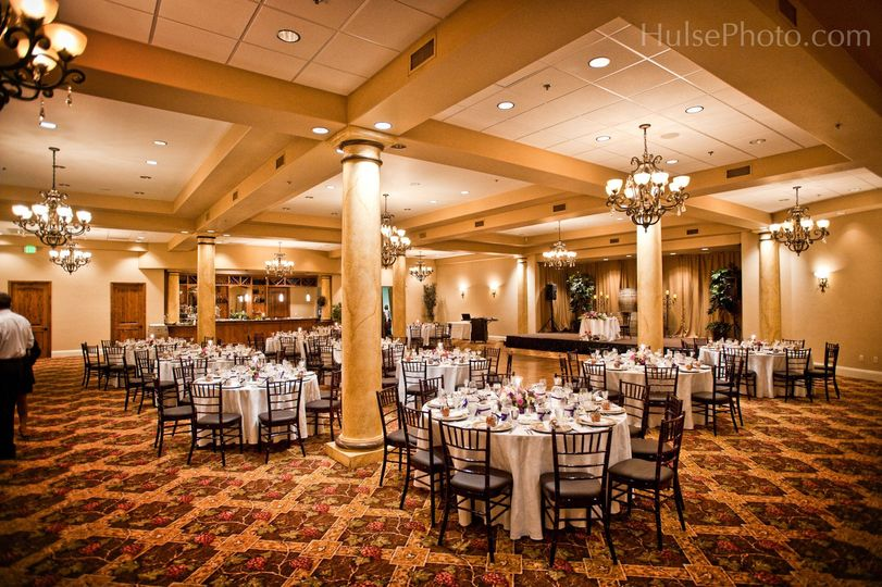 800x800 1490130600973 ballroom reception no uplighting2