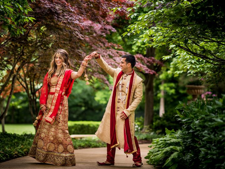 Tmx Couple Dancing Back Gardens 51 364 162197702192939 Washington, DC wedding venue