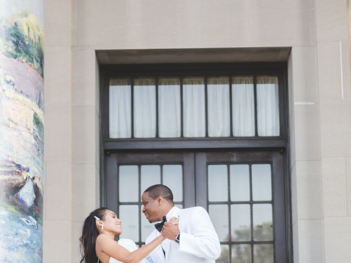 Tmx 1515160688 Afbabe8e2520fe85 1515160686 9cffe5ad1475914b 1515160685387 6 4M9A0610 Grandview, MO wedding videography