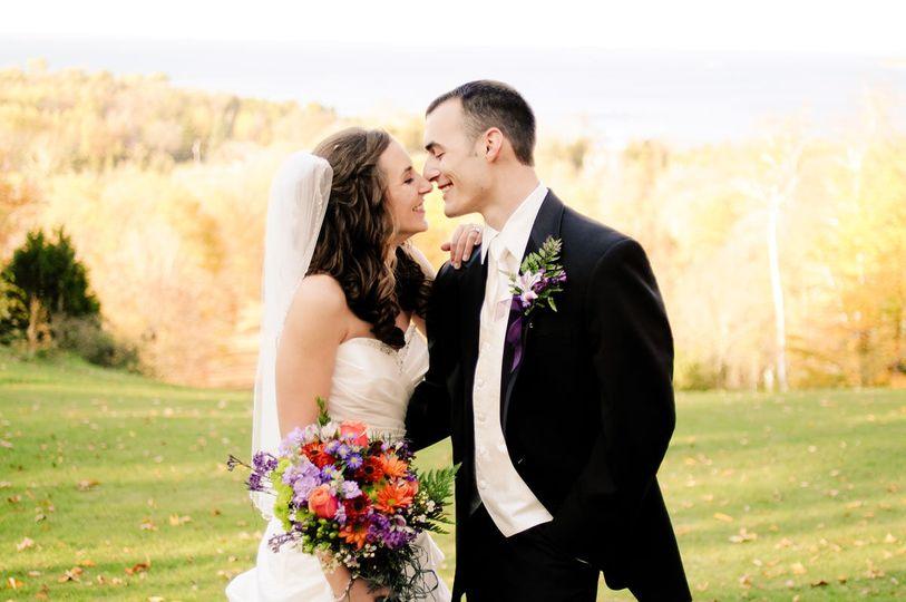 ceb40837e2b87a65 Bride groom 3