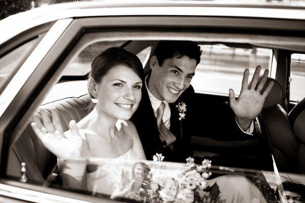 bride groom car2