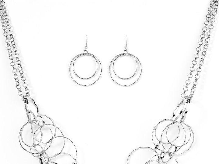 Tmx 1539101141 A5a1dd94a106ce66 1539101136 Cee4761f83a7d429 1539101129723 32 Rebellion Stock P Chesapeake wedding jewelry
