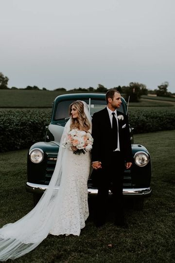 The newlyweds | Finding Eden Photography