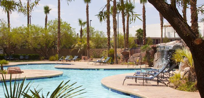 Outddoor pool