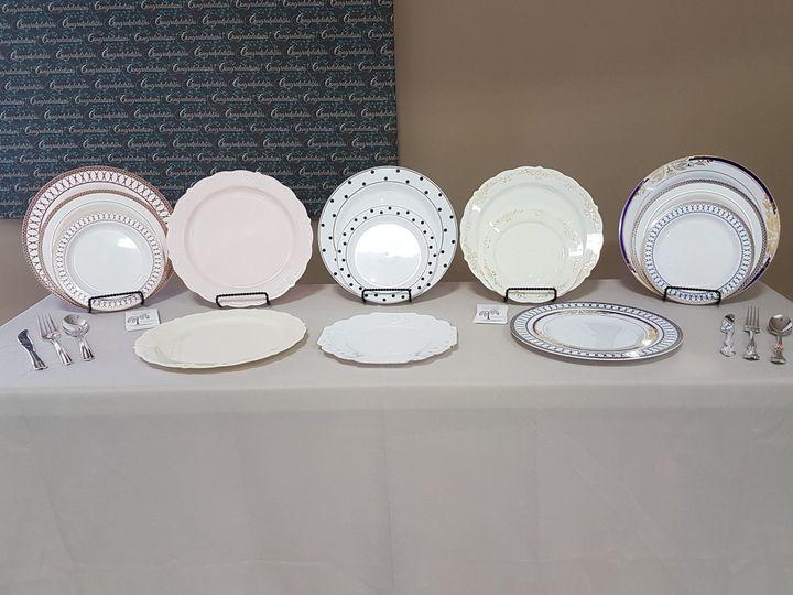 1a04ffff0bf9794e 1489618882201 rwc plastic plates bridal expo