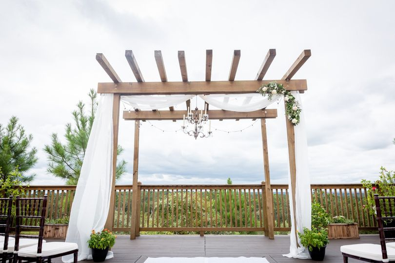 Scenic outdoor ceremony