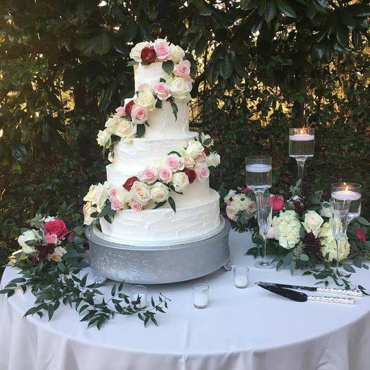 Wicked Cakes Of Savannah Wedding Cake Savannah GA WeddingWire - Wicked Wedding Cakes