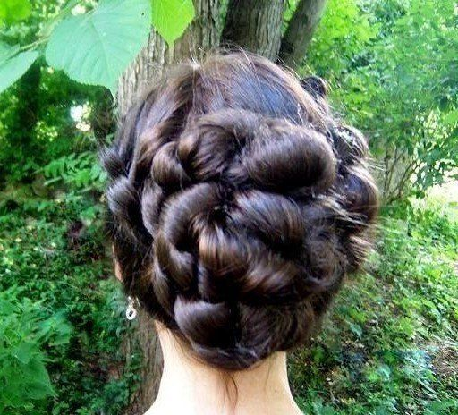 The instant up do hair style wig extension attachment is perfect for a lovely romantic updo style....