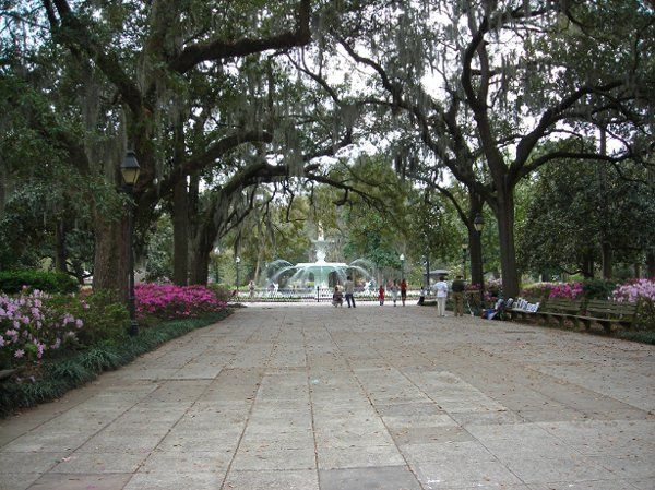 Forsyth Park, a very popular spot for getting married in Savannah!
