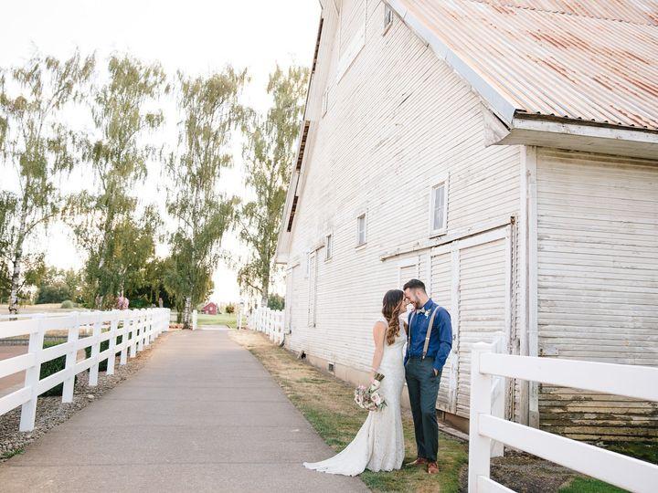 Tmx 20 White Barn Robin And Travis 51 527464 157834307425045 Aurora wedding venue