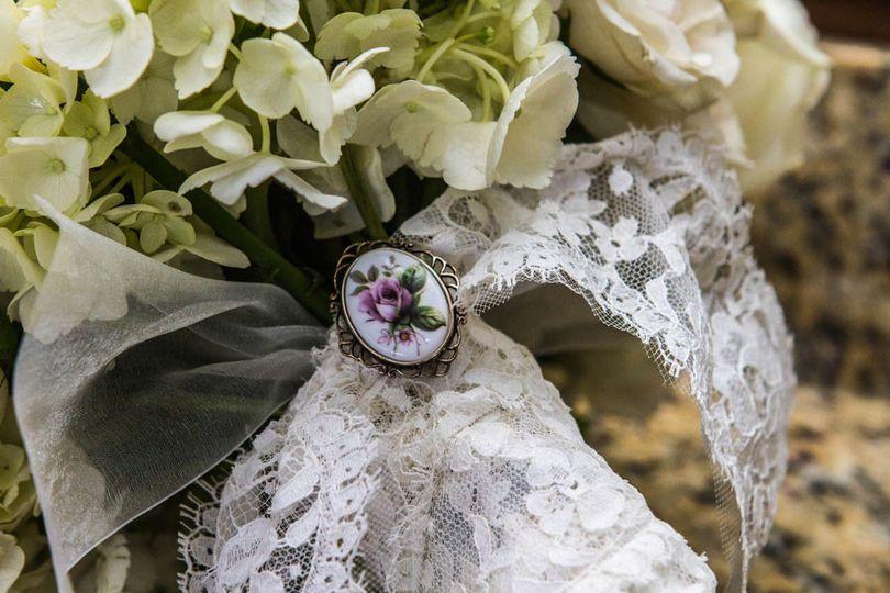 Bouquet broach
