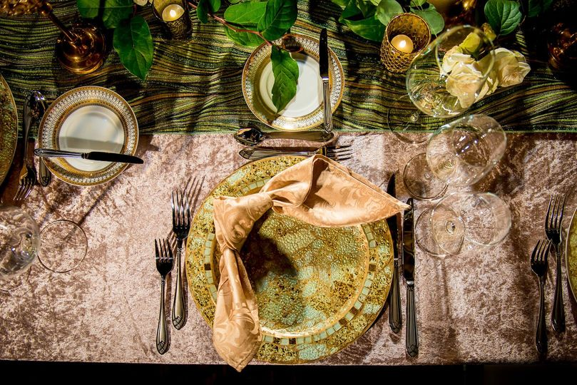 Exotic table setting