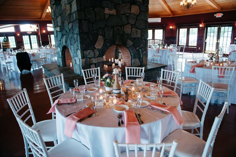 Reception table and pink decor