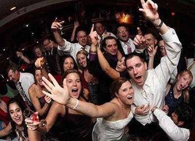 Tmx Crowd Smiling 51 34564 158411129985122 Richmond, VA wedding dj