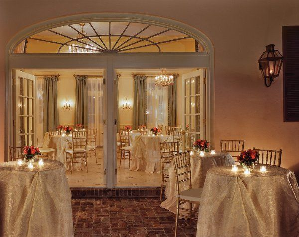 St. Ann Cottage is the ideal backdrop for intimate weddings.