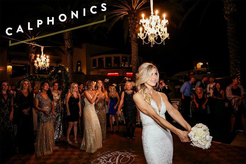 800x800 1494199606760 111 Calphonics San Diego Wedding Dance Band Bouq