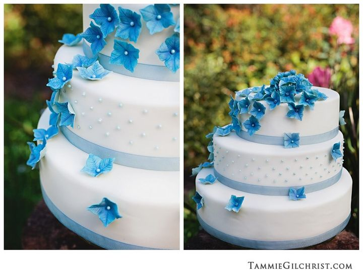 Tmx 1382469321068 Tammiegilchrist676 Copy Mendocino wedding cake