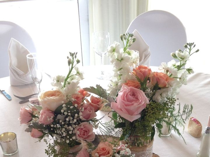 Tmx 1533567187 1ef05ead56766723 1533567186 8678c4a13c70c58d 1533567170053 22 Centerpiece Mason Stuart, FL wedding florist