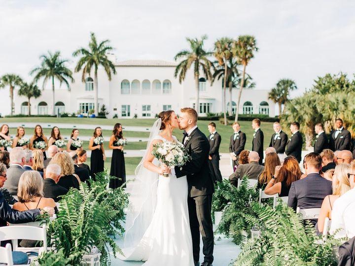 Tmx Moore 3 51 703664 158981929832953 Stuart, FL wedding florist