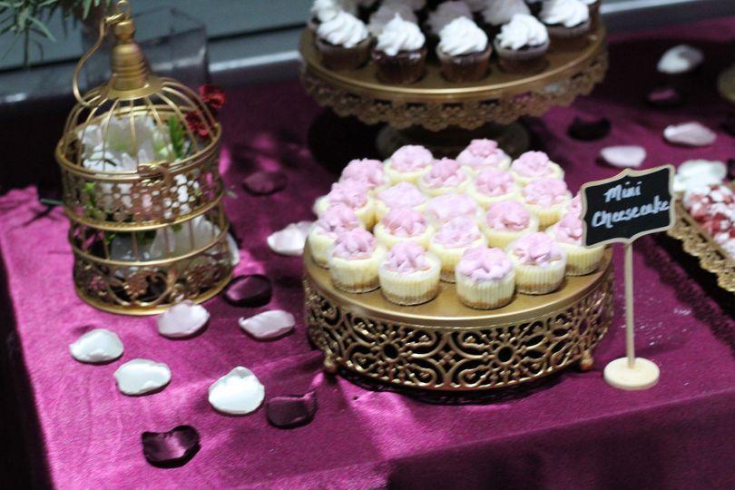 Dessert Table (Mini chessecake