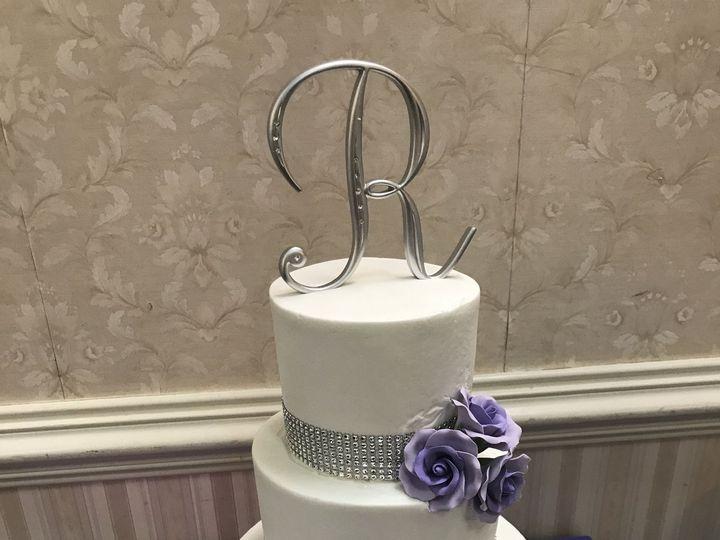 Tmx 1515291882 376abfc4d0c44649 1515291878 97f112c1b03827e8 1515291874271 3 IMG 4128 Hampton, Virginia wedding cake