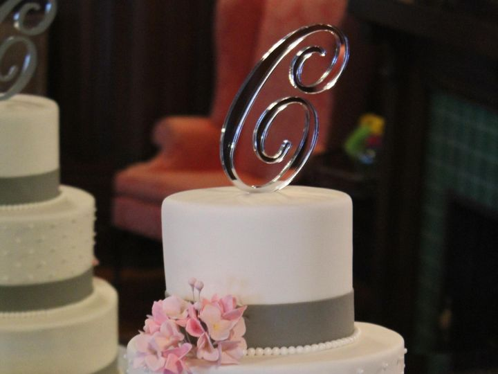 Tmx Img 0637 51 174664 157790097575882 Hampton, Virginia wedding cake