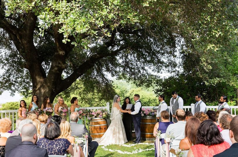Outdoor wedding   Photo by Rhee Bevere Photography
