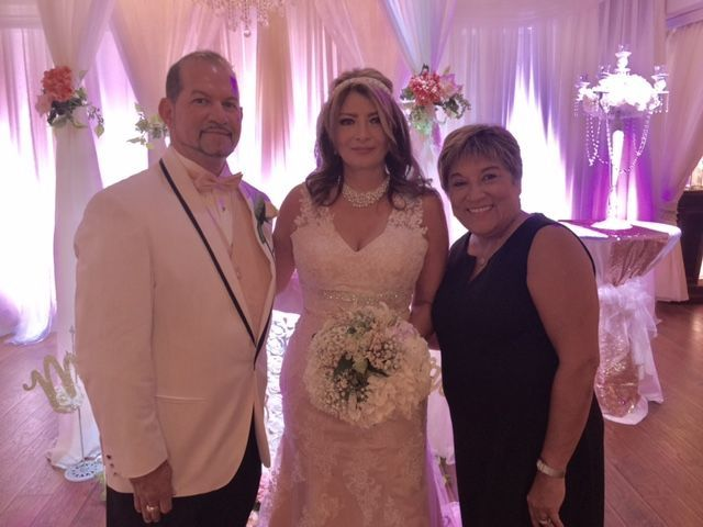 Tmx 1516052194 8aac6809e387246f 1516052193 01efae1e719318bb 1516052188067 21 FullSizeRender Longwood, FL wedding officiant