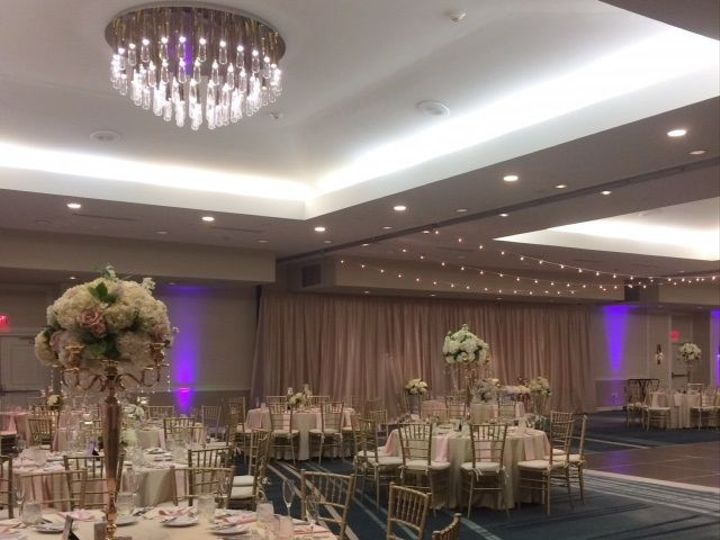Tmx 1528381160 Eba69a6a0b18d2cb 1528381160 A59091e3913b7530 1528381159398 25 Ballroom Champagn Newport, Rhode Island wedding venue