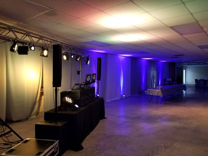 Tmx Trussing And Uplighting 3 51 6664 1557592074 Leavenworth wedding dj