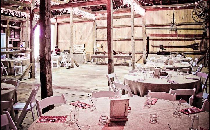 f64b578f532dc093 Artistic Stylish Elegant FUN Weddings Skye Gary Octobe