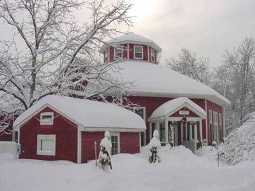 The Appel Inn is magical for winter weddings