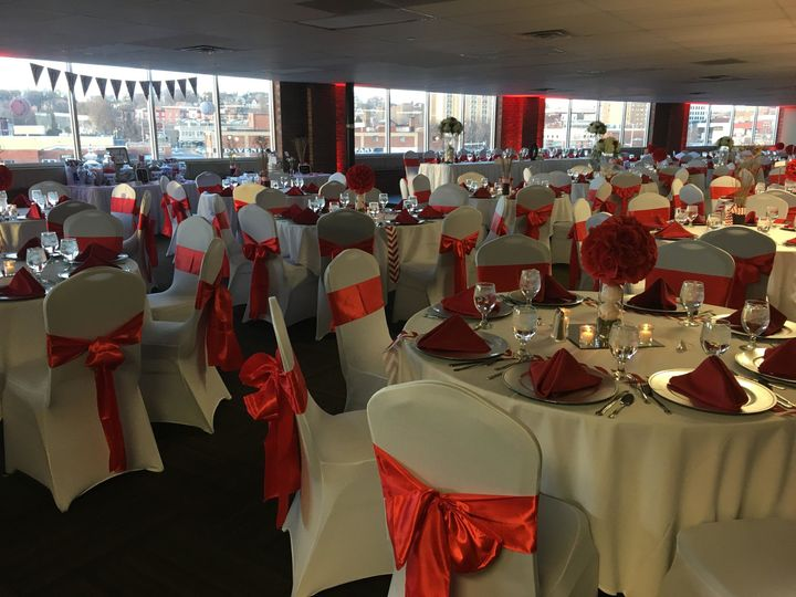 Modern woodmen park venue davenport ia weddingwire junglespirit Image collections