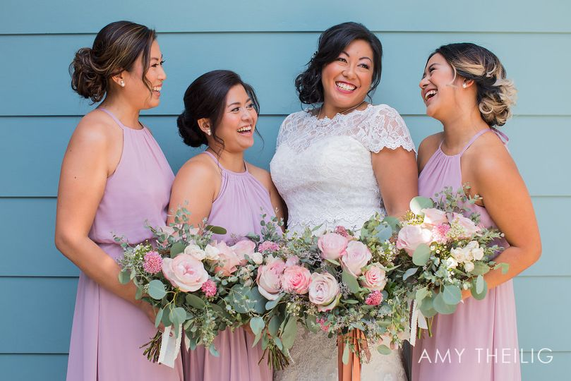 Bridal party | Photo by: @amytphoto