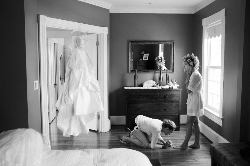 jason keefer photographer wedding manassas virginia bride getting ready bw film 2 51 6764 1568397164