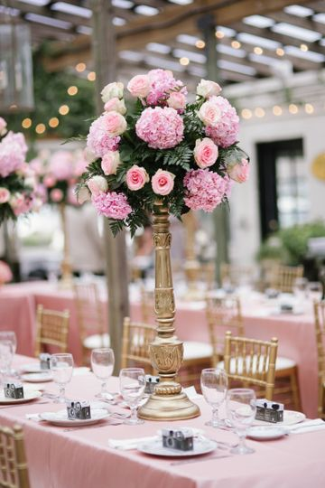 Pink flower tabler centerpiece