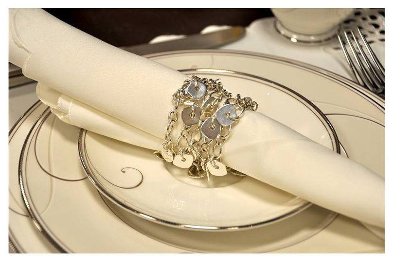An elegant way to present your bridesmaid's and other special ladies their gifts.    This VersaStyle...